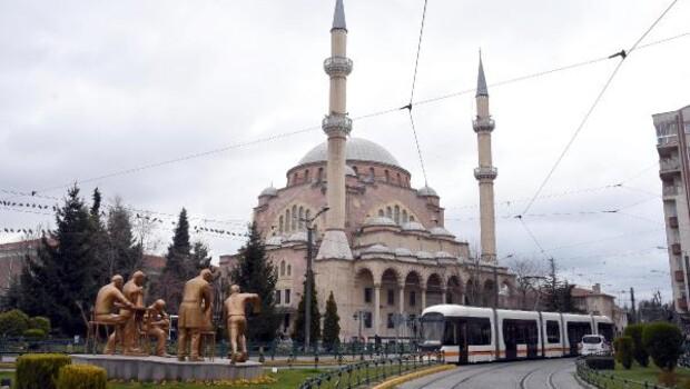 Eskişehir'de camilerden 'evde kalın' anonsu