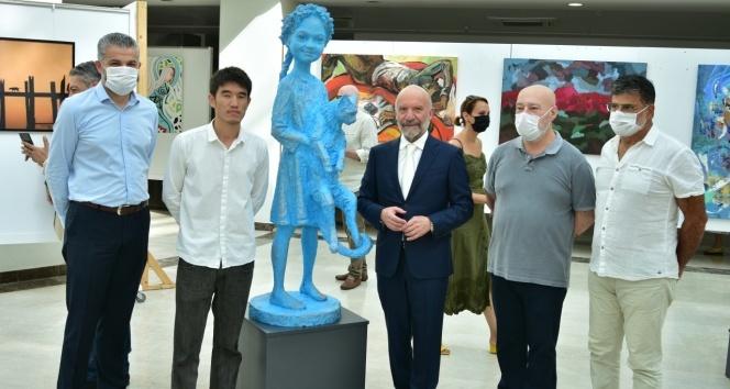 """40 sanatçının eserlerinden oluşan """"Güzel Sanatlar Karma Sergisi"""" açıldı"""