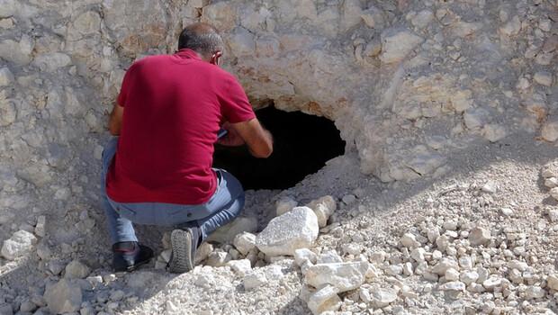Yol çalışması sırasında ortaya çıktı! Kayaları delmişler…