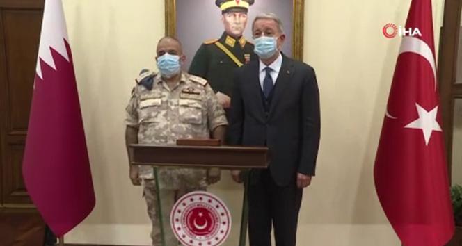 Bakan Akar, Katar Genelkurmay Başkanı Al-Ghanim'i kabul etti
