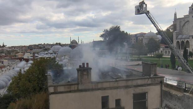 Süleymaniye'de 3 katlı metruk binada yangın