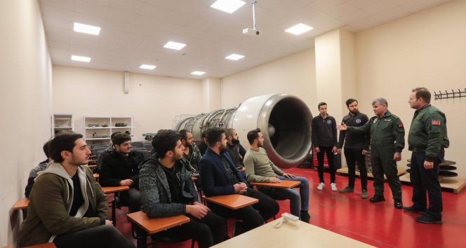 'Üniversitelerde havacılıkla ilgili bölümler revaçta'