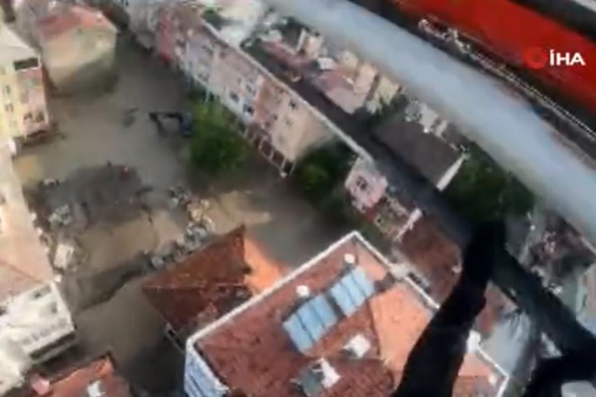 Kastamonu ve Bartın'da sahil güvenlik ekipleri 336 kişiyi tahliye etti