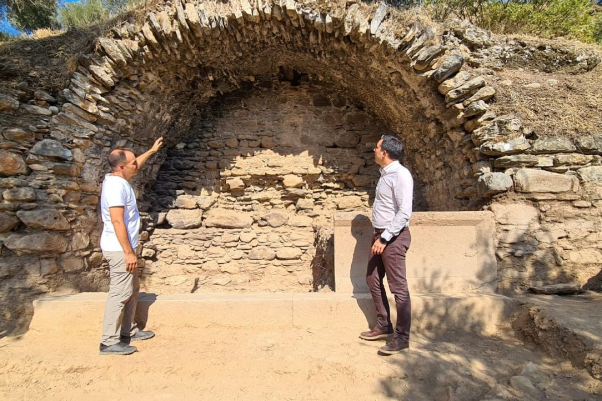 NYSA Antik Kenti'nde bin 800 yıllık tarihi çeşme bulundu