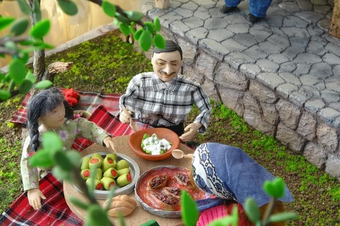 Emekli öğretmen, Türk örf ve adetlerini diorama sanatına aktarıyor